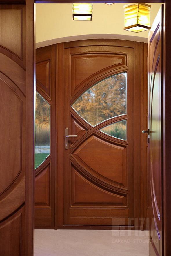 стоимость установки входной двери из дерева